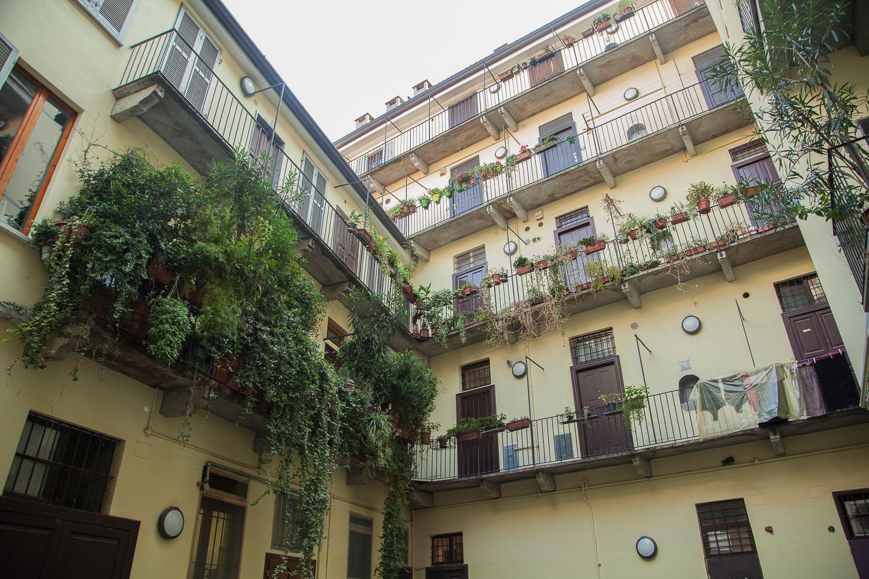 Milano - via Corsico: vista particolare cortile