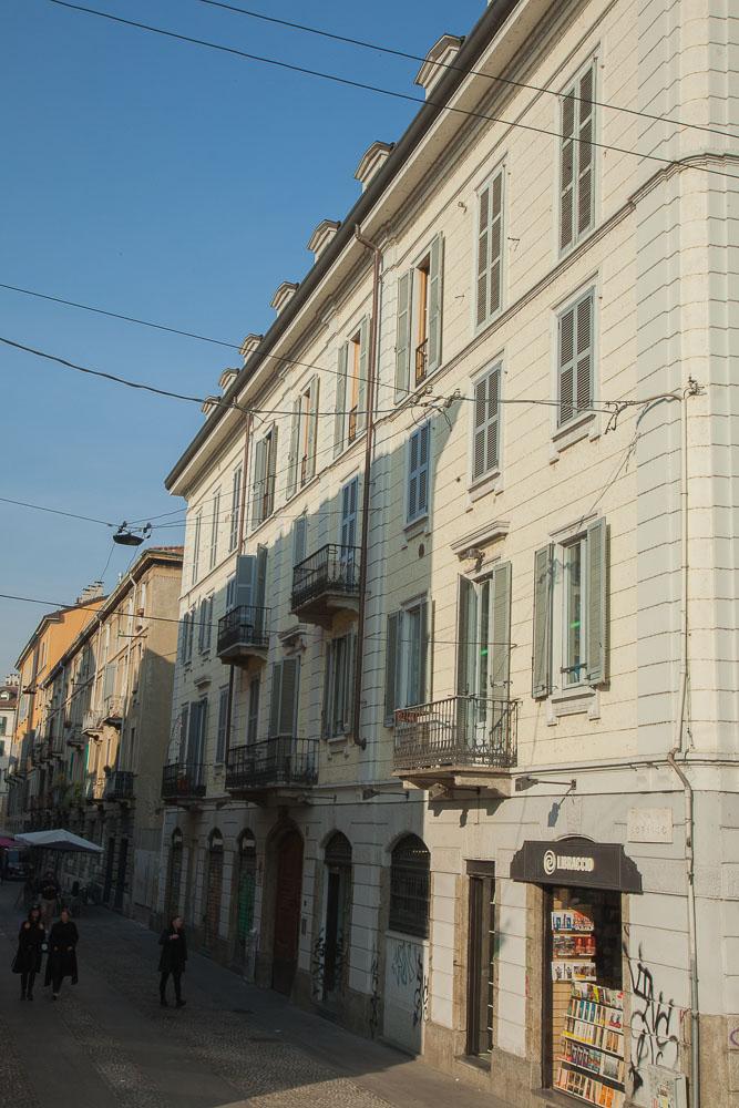 Milano - via Corsico: facciata esterna 2